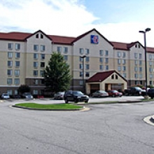 Motel 6 Atlanta Airport North ATL Logo