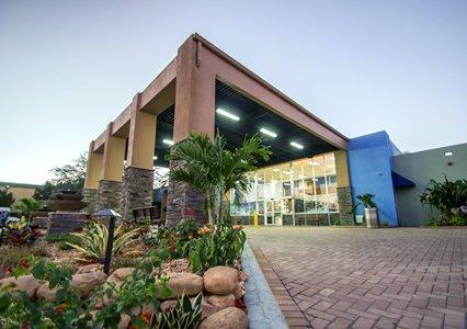 Rodeway Inn & Suites - Fort Lauderdale Airport FLL Logo