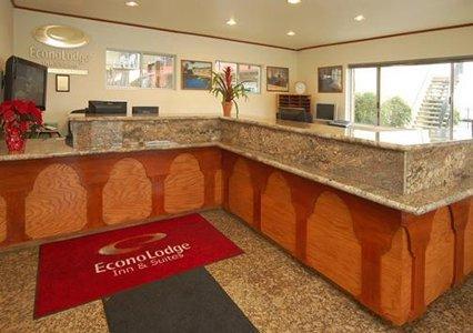 Econo Lodge Inn & Suites Oakland Airport OAK Logo