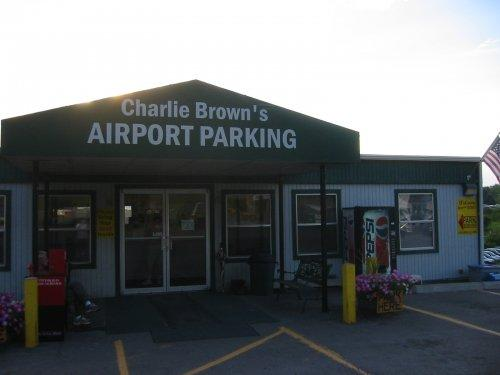 Charlie Brown's Airport Parking PIT Logo