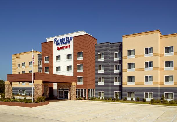 Fairfield Inn & Suites By Marriott Montgomery-Airport-South MGM Logo