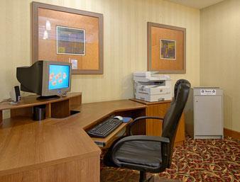 ramada indianapolis airport parking ind indianapolis. Black Bedroom Furniture Sets. Home Design Ideas