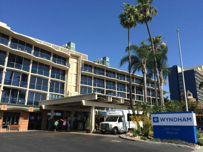 Wyndham San Diego Bayside - Cruise Parking Only SAZ Logo