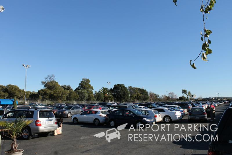 There are many off-airport parking options near Oakland (OAK) airport.