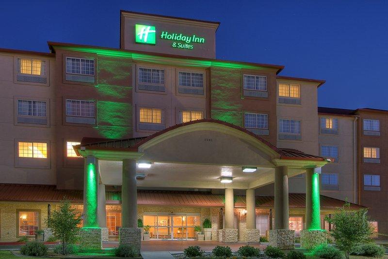 Holiday Inn Hotel & Suites Albuquerque Airport-Univ Area Parking (ABQ) Albuquerque Reservations ...