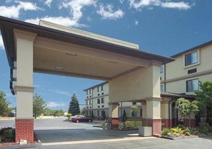 The Quality Inn & Suites Detroit Metro Airport hotel, a Romulus hotel near the Detroit Metropolitan Wayne County Airport Get more value for your hard-earned money when you stay at our Quality Inn & Suites ® Detroit Metro Airport hotel in Romulus near Greenfield Village/5(K).
