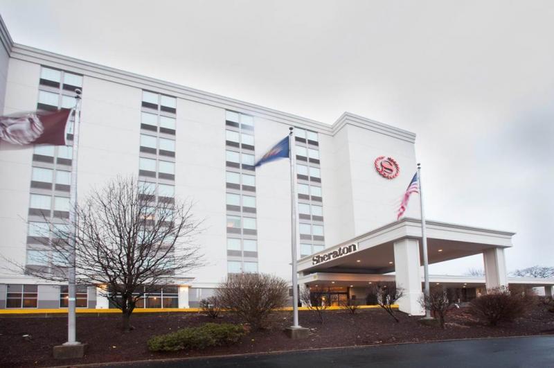 Sheraton Pittsburgh Airport Hotel PIT Logo