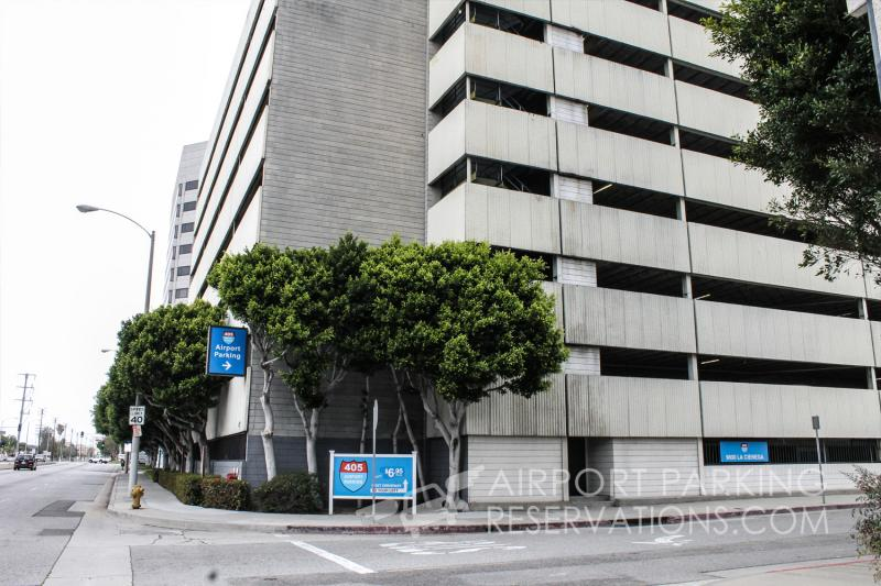 Valueparklax parking lax reservations reviews for Lax parking closest to airport