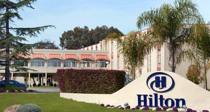 Hilton Oakland Airport Hotel OAK Logo