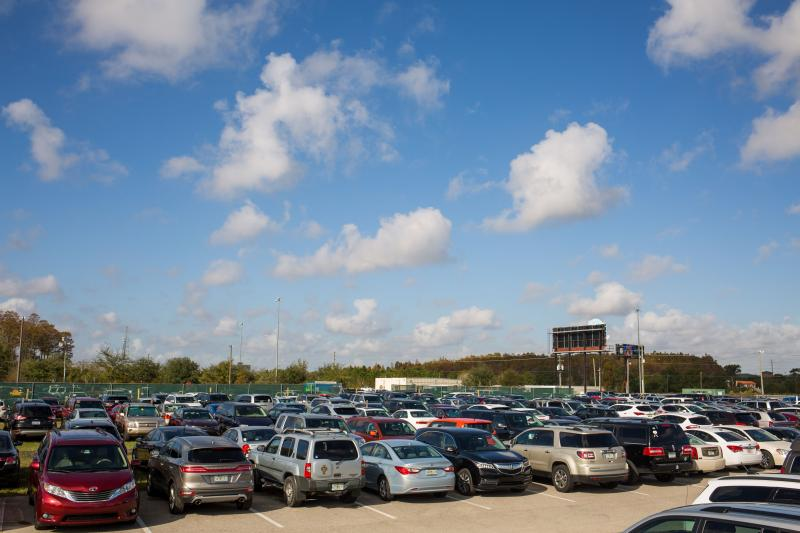 Orlando Airport Parking through Park To Fly Airport Parking in Orlando by Park To Fly Park To Fly, Inc., Park 'N Fly's partner for airport parking at MCO has been serving Central Florida 24/7 from its offsite facilities near the Orlando Airport since