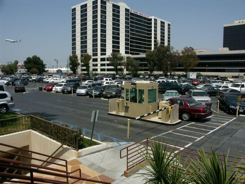 Los angeles airport marriott parking lax reservations for Lax parking closest to airport