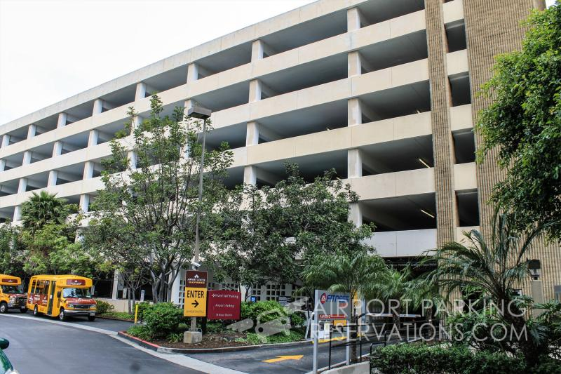 Airport center express parking lax reservations reviews for Lax parking closest to airport