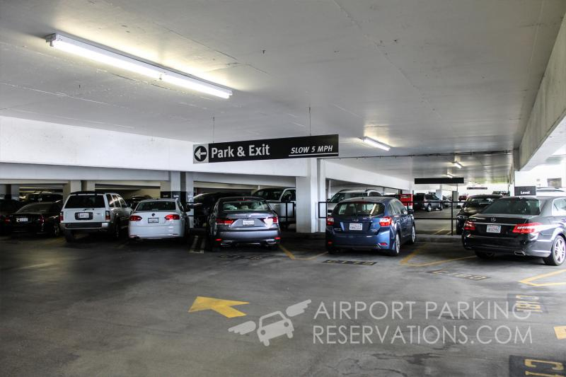 Airport Center Express Parking Lax Reservations Amp Reviews
