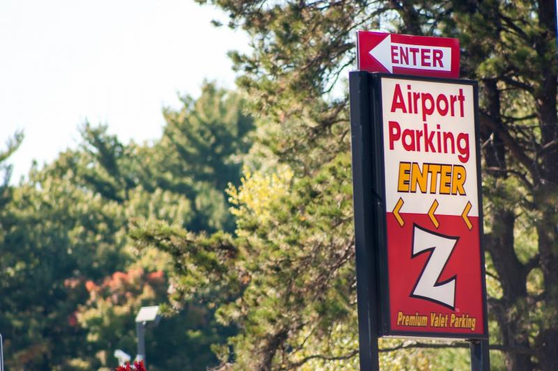 Z Airport Parking BDL Logo
