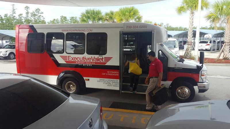 Executive Valet Ft Myers Airport Parking RSW Logo