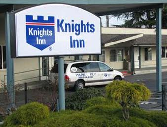 Knights Inn Sea Tac Airport SEA Logo