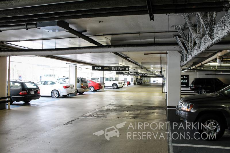 Airport spectrum lax parking inc lax reservations reviews for Lax parking closest to airport