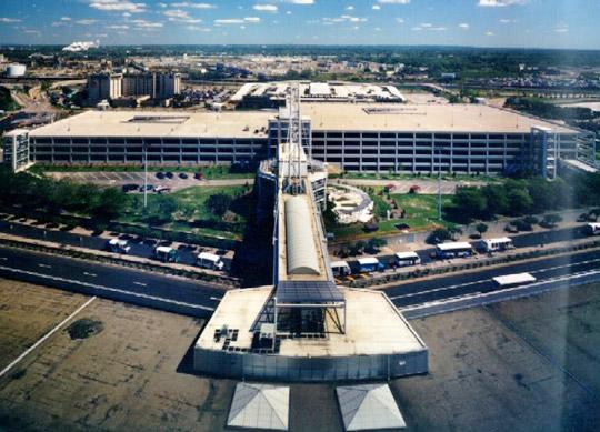 Cleveland Hopkins Airport - Short Term Garage CLE Logo