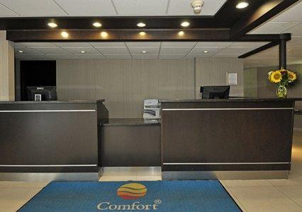 Comfort Inn YYZ Logo